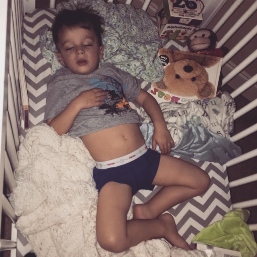 I love seeing pictures of everyones sweet babies sleeping Crisphellip